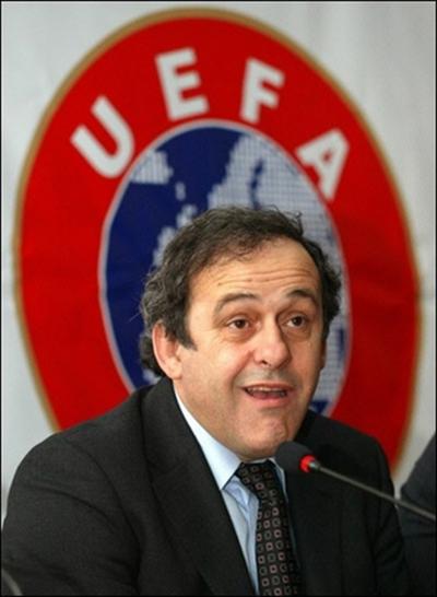 Michel Platini considera a Brasdil, Espeña e Inglaterra como favoritos del Mundial 2010