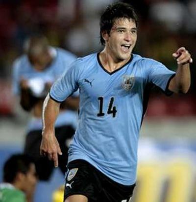 Uruguay al cuartos de final al ganar 2-1 a Corea del Sur