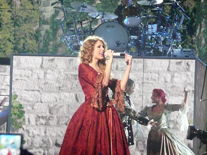 Taylor Swift - for blog - 09