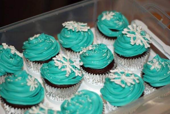 snowflake_cupcakes.jpg