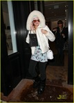 paris-hilton-aspen-christmas-01