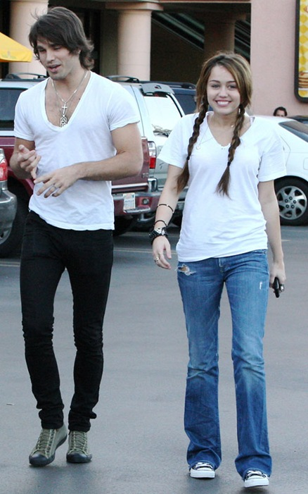 Justin Gaston, Miley Cyrus