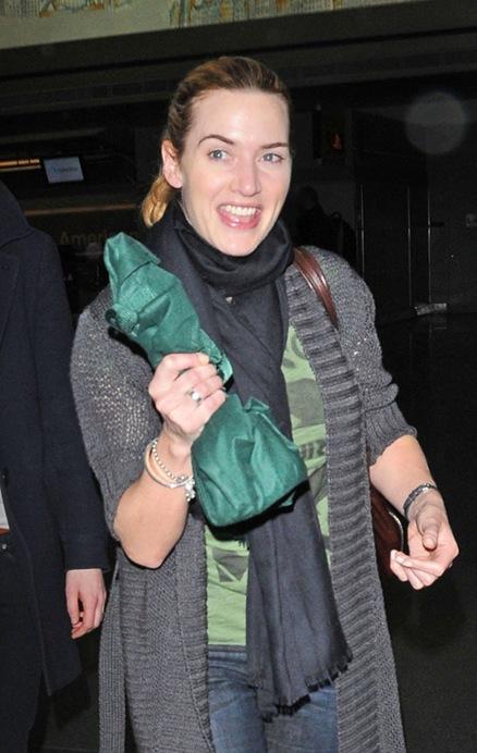 Kate Winslet sacó a pasear su premio Oscar