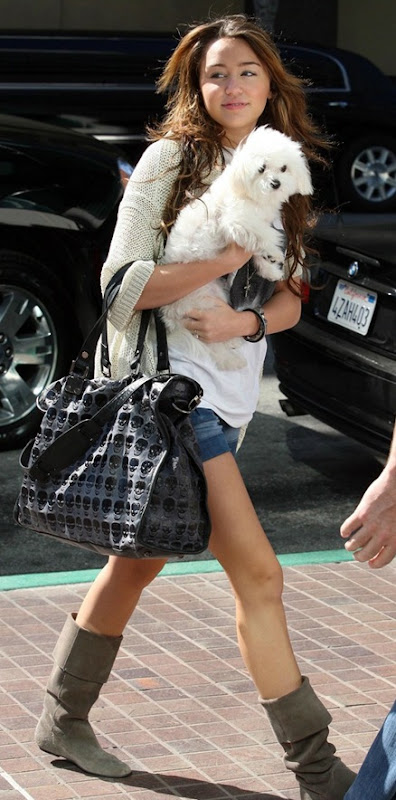 miley-cyrus-sophie-sunday-meeting-12