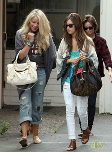 ashley-tisdale-samantha-droke-patys-13