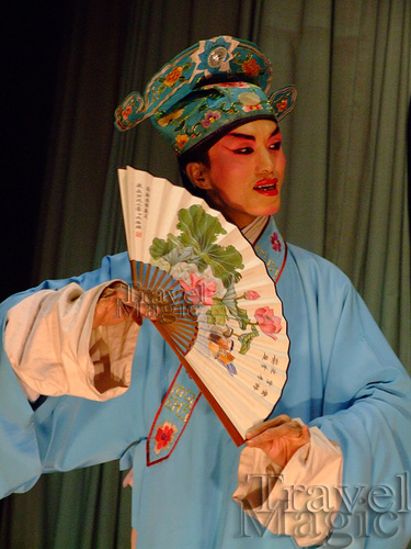china-opera-performance-sichuan