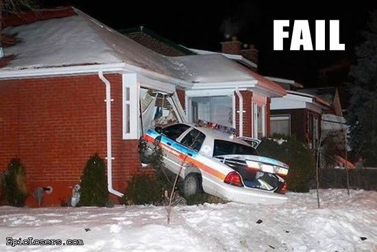 ���� ���� ������ ������� ���� police_cop_car_crashed_into_house_fail.jpg