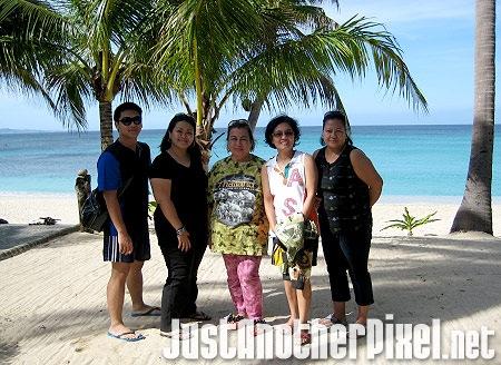 The 5 of us at Saud Beach in Pagudpud, Ilocos Norte - JustAnotherPixel.net