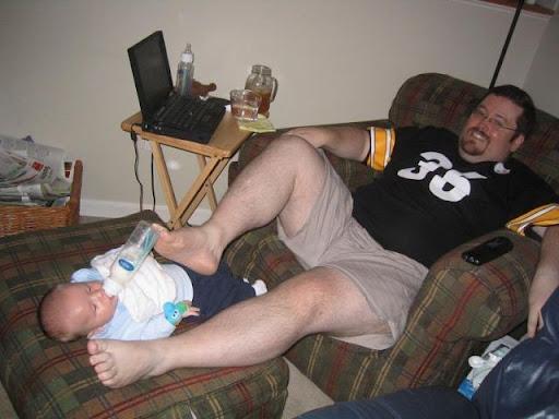 http://lh3.ggpht.com/_bKN77pn74dA/SqB3tLQ6OzI/AAAAAAAACfM/chx5R_P00Us/bad_parenting_11.jpg