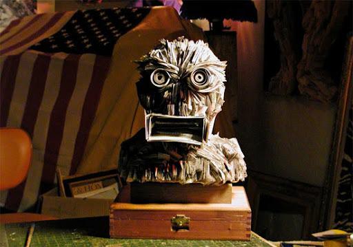 http://lh3.ggpht.com/_bKN77pn74dA/TEuZd6TgyKI/AAAAAAAAEDk/TiG9TFN7xFE/newspaper-sculpture-head.jpg