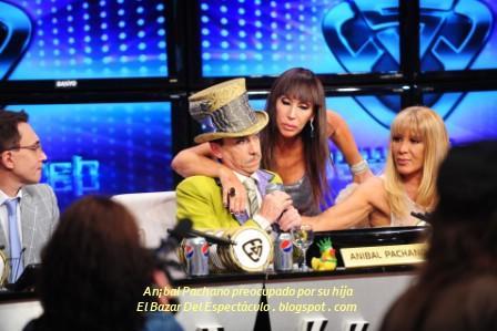 An¡bal Pachano preocupado por su hija.JPG