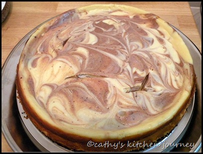 white chocolate marble cheesecake