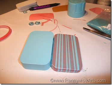 4. Apply O'So in two widths to lid,creating stripes
