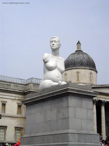 Bức Tượng Alison Lapper Mang Thai Marc_quinn's_statue_-_alison_lapper_pregnant