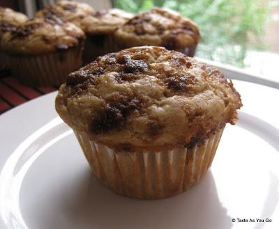 Coffee-Cake-Muffins-tasteasyougo.com