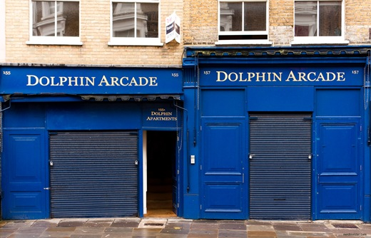 London, Portobello Road, Dolphin Arcade