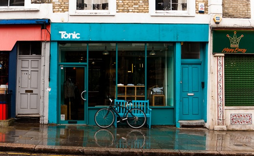 London, Portobello Road, Tonic