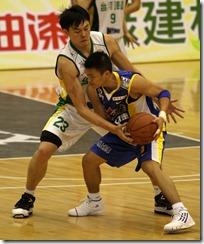 台啤吳岱豪(左)裕隆李學林(右)