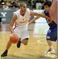 黎巴嫩艾斯特芬(左)