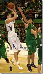 裕隆呂政儒(左)台啤楊敬敏(右)