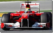 Massa con la Ferrari nei test di Barcellona