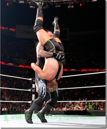 The Undertaker - Tombstone Piledriver