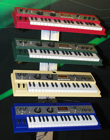 microkorg_xl_colors.jpg