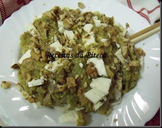 Chow mein exótico de legumes e queijo