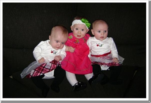 3 babies Christmas_thumb[4]