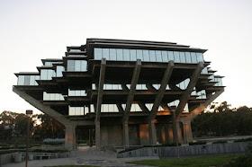 UCSD Geisel Library (San Diego, California, United States)