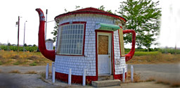 Teapot Dome Gas Station, Zillah, WA, USA