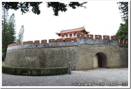 Tainan-South-Door02