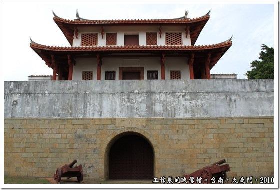 Tainan-South-Door05