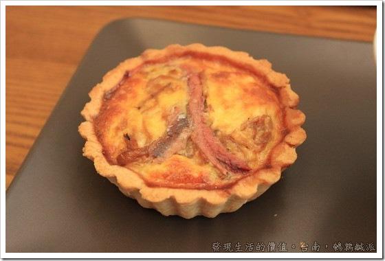 台南「鵪鶉鹹派」嘗試法式鹹派,洋蔥鯷魚