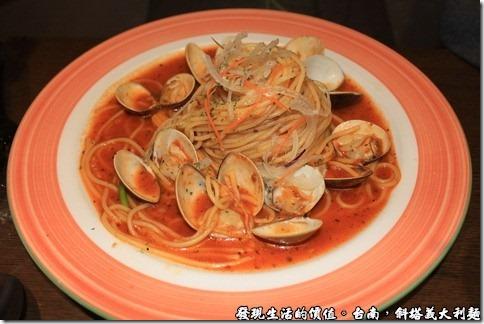 蕃茄羅勒蛤蜊義大利麵