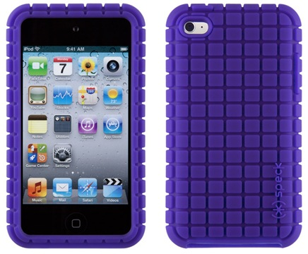 This rubbery matte finish iPod touch 4g case features a extra-grippy grid