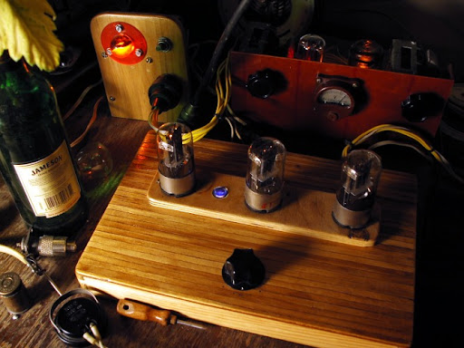 DiY QRP Tube Radio Station