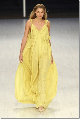 MATTHEW-WILLIAMSON-SPRING-RTW-2011-PODIUM-036_runway