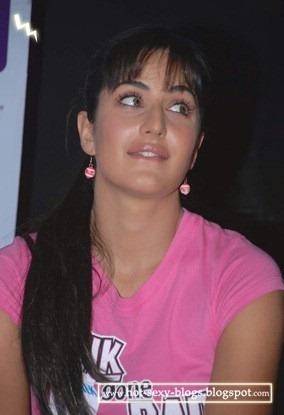 katrina-kaif-pink-t-shirt