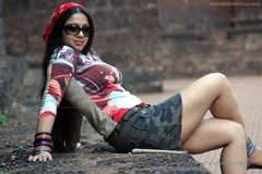 charmi-sye-aata-hot-stills-10