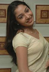 tamil-actress-maya-unni-in-saree-stills_actressinsareephotos_blogspot_com_35