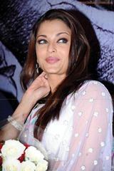 Aishwarya-Rai-hot-in-white-saree-2
