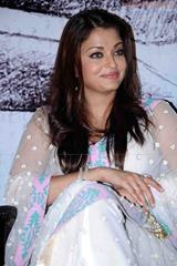 Aishwarya-Rai-hot-in-white-saree-15