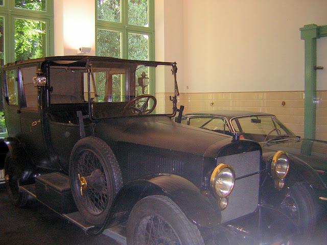 Paleis Het Loo,una vecchia automobile