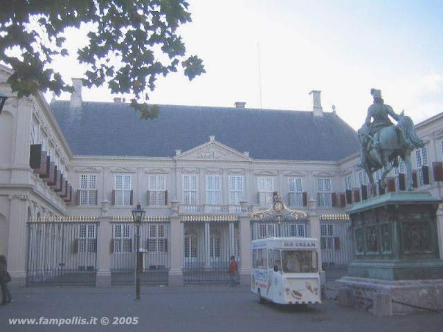 Den Haag (L'Aja), il Palazzo Reale