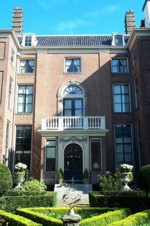 La facciata Panoramica del Museo Van Loon