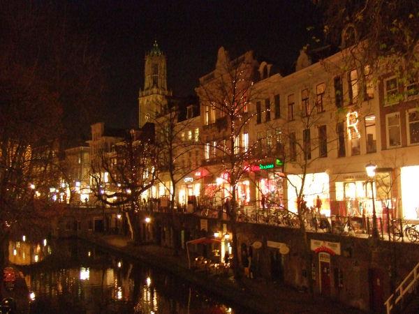 Utrecht di sera, un canale a Natale