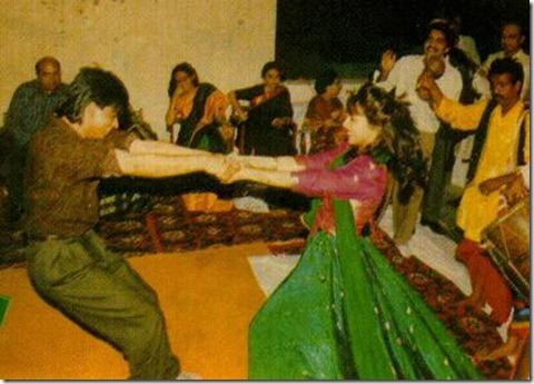 Dancin' Shahrukh and Gauri