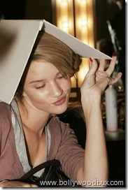 Rosie Huntington-WhiteleyBackstageBetty Jackson (10)