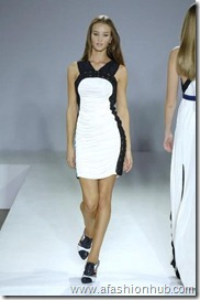 Rosie Huntington-Whiteley Runway fashion Show (31)